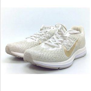 New Nike Zoom Winflow 5 sneakers 7.5